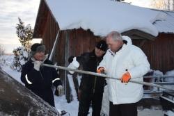 De-icing the fiber poles